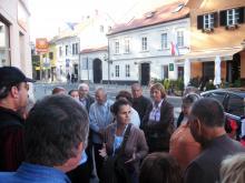Zagreb in Samobor 2012: Prijazna vodička med ogledom mesta Samobor ( Foto: Č.Košak)